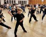 cvičení dětí ze všech kungfu oddílů